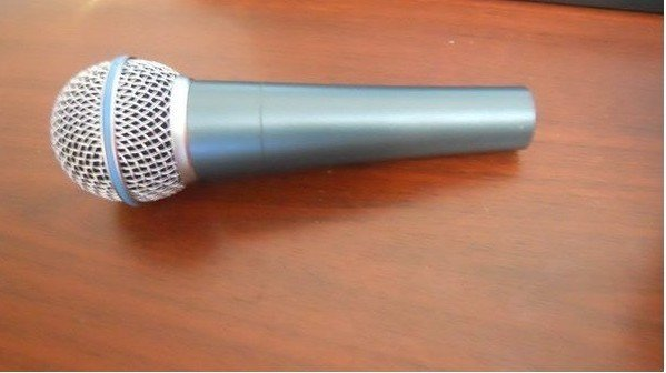New Boxed BETA58AA wired vocal microphone free shipping