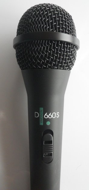 660S handheld microphone in box-free shipping