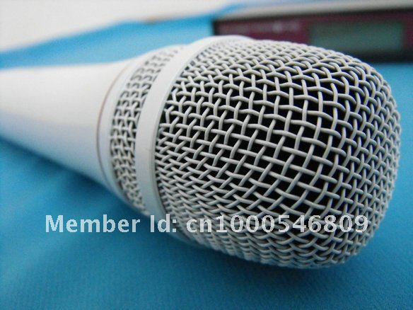 Free shipping EW 135 G2  Vocal Set Handheld Evolution Wireless Microphone white color !!