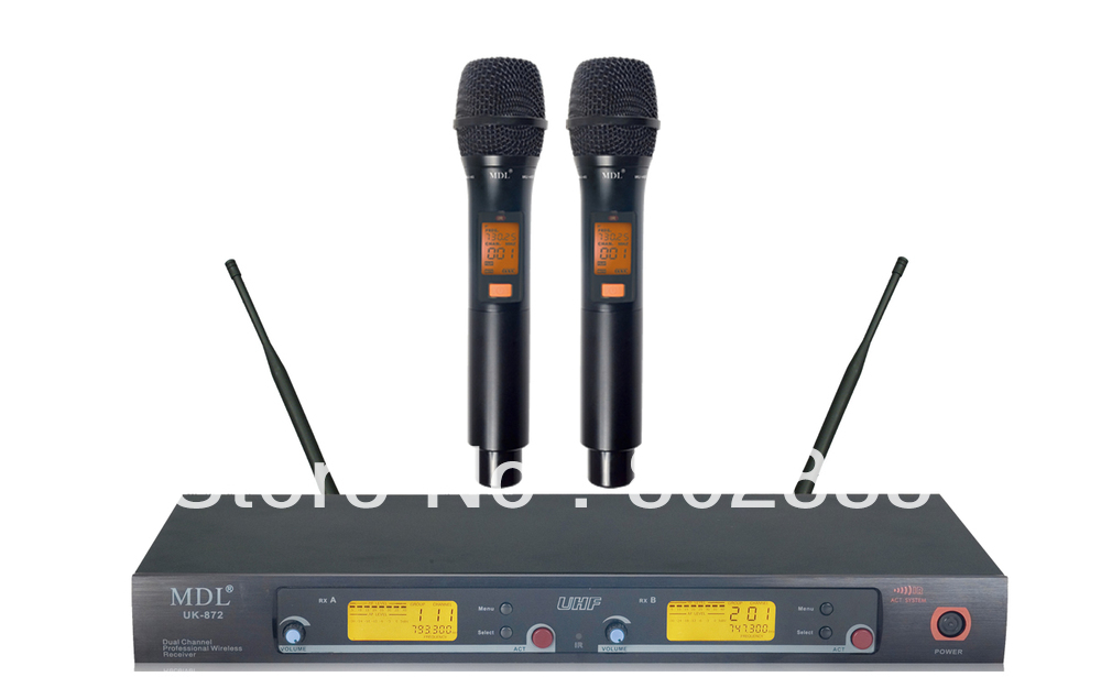 Professional UHF 200 Channel Wireless Handheld Microphone System For Church Schoolroom Karaoke Can adjust  frequency