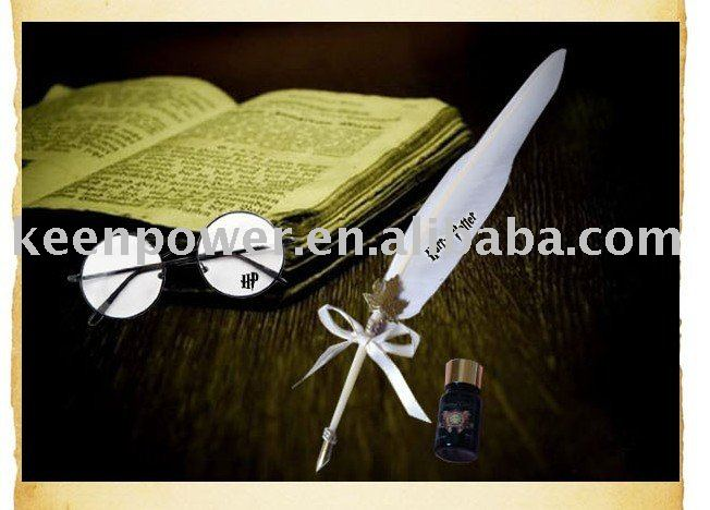 Free shipping/Wholesale/HARRY POTTER HOGWARTS SCHOOL WRITING FEATHER QUILL PEN feather pen with glass ink bottle pen holder 3in1