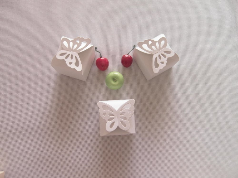 Free Shipping-factory price,100pcs/lot,White Butterfly Shaped Wedding Favor Gift Box/High Quality Pearl Paper